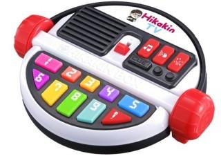 バンダイ、動画再生回数100億オーバーのHIKAKINになりきれる「HIKAKIN BOX」を発売