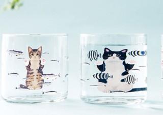 猫のちょっとした習性、水槽のお魚さんを覗き込む姿を写した「猫さん夢の水族館グラス」発売