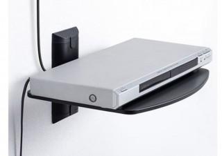壁面にスチール製の棚を後付けして、スピーカーやDVDプレイヤーを置ける「壁掛けラック」