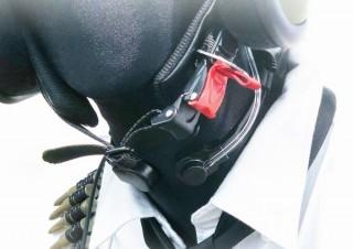 FPSなどのゲームで特殊部隊気分が味わえる音声チャット対応の「咽喉マイク」、上海問屋から