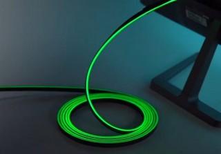 地味だったケーブルをあえて目立たせる、7色のイルミネーションをまとった「HDMIケーブル」発売