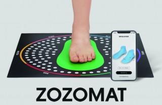 ZOZO、スマホで足の3Dサイズ計測可能な「ZOZOMAT」を無料配布。予約受付開始