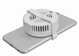 ペルチェ冷却パッドをスマホに直接当てて熱暴走を効率的に防ぐ「スマクールパッド」