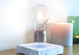 Gloture、ベースの上で電球が浮遊するLED照明レビテーティング・ライトを発売