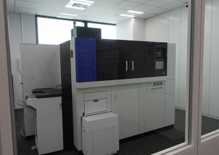 エプソンが紙を再生可能な「PaperLab」などを活用する環境配慮型オフィスプロジェクトを開始