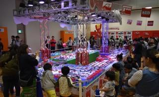"""ミニカーの""""トミカ""""が集まる夏休み恒例の大型イベント「トミカ博 in YOKOHAMA」"""
