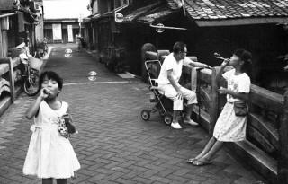 長年にわたり京都を撮り続けてきた甲斐扶佐義氏の写真展「京都詩情」が二条城で開催