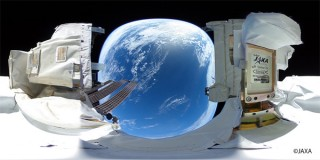 JAXAとリコー、宇宙空間で撮影した360℃の全天球映像を公開