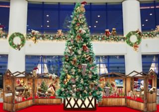 約100体のテディベアで飾られたツリーを展示する「TOKYO RESORT GERMAN CHRISTMAS」