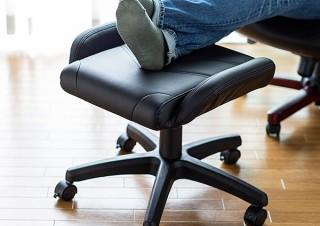 サンワサプライ、耐荷重100kgで椅子にもなるバケットシート形状オットマンを発売