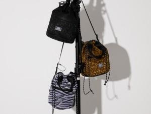 ROSE BUDより、カリフォルニア生まれのブランド「MEI」のアニマル柄巾着ショルダーバッグが発売