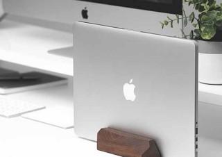 Gloture、ノートPCを立てて収納できる木製スタンドを発売