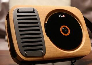 CDの音を蓄音機の音色で再生できる「レトロCDプレーヤー&Bluetoothスピーカー」