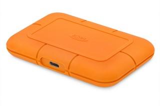エレコム、LaCieブランドのRuggedシリーズの耐衝撃SSD「STHRx800シリーズ」を発売