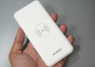 高評価も納得、USB PDもワイヤレス充電も対応した激安1,980円国産モバイルバッテリー