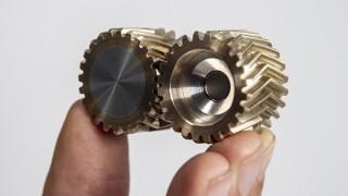 きびだんご、指先で楽しめる歯車デスクトイHelico Gearを発売
