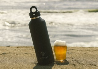 生ビールをテイクアウトできる! 真空断熱ボトル「REVOMAX」で飲食店支援
