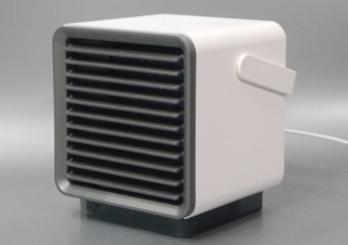 """クーラーが苦手な人にも最適、""""ちょっとだけ涼しい""""USB冷風扇で快適な夏を!"""