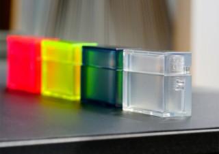 アピロス、TPU素材で透明感が美しいAirPods Pro用ケース「TILE」を発売