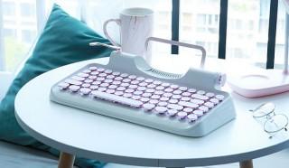 タイプライター風デザインの「Rymek メカニカルキーボード」に新色Blueが登場