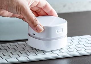 キーボードの隙間もキレイに。気になるゴミを吸引する卓上クリーナー「200-CD063」