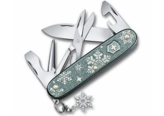 繊細な雪の結晶が美しい! ビクトリノックスのマルチツール。世界10,000本限定で販売開始