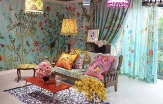 鷺森アグリ氏のデザインとエプソンのプリンタでの出力によって彩られた室内装飾の企画展がスタート