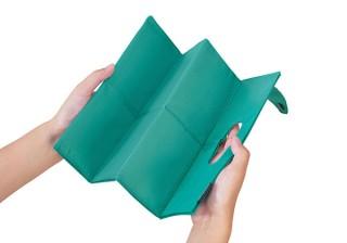 キッチリ畳めて財布に入る! コンパクトエコバッグ「パッタン」。キングジムより
