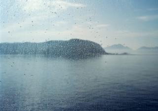 2018年度の三木淳賞受賞作家の田川基成氏による新作写真展「見果てぬ海」
