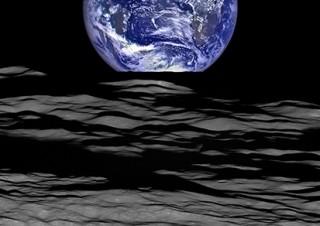 NASAの画像を中心に選りすぐりの天体写真を紹介している展覧会「138億光年 宇宙の旅」