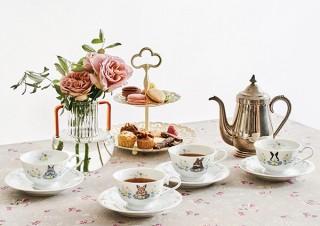フェリシモ、うさぎと草花の柄で優雅なティータイムを楽しめるカップ&ソーサ―を発売