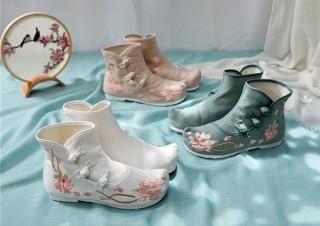ヴィレヴァン、花刺繍などをあしらった中華デザインのブーツとシューズを発売