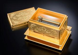 SGC、茶道の世界観を表現したK24 黄金のCHABACO「オルゴール」が「大黄金展」に登場