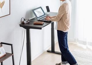 サンワサプライ、省スペースに設置できる電動昇降デスクを発売