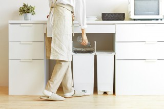 リス、キッチンの棚下にすっきり入るダストボックス「SOLOWペダルオープンツイン」を発売