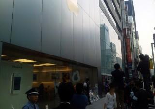 iPhone4sの発売記念!Apple Store銀座店&ソフトバンク表参道店フォトレポート