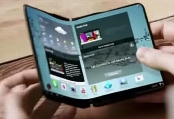 apple4 171127171119 - Apple、閉じればiPhone開けばiPadになる折りたたみ式ブックデバイスを開発中か?